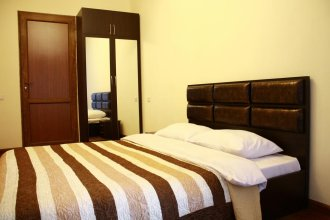 Central Suite Apartments Teryan