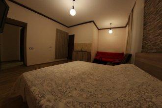 Shara Talyan 8/2 Guest House