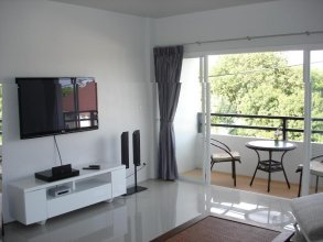 Naiharn Beach Road Apartment