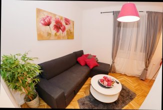 Joe's Apartments - 1030