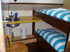 Intersail Hostel - Christina