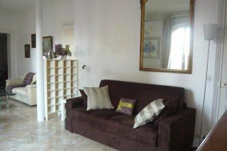 Parisian Home Saint Martin 47 Republique 110165