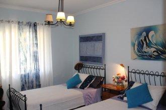 Blue Room Apartment