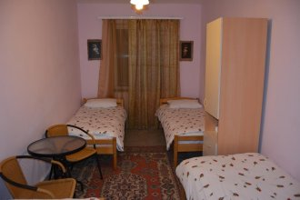 Azoyan Holiday Resort Hotel