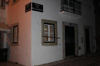 Lisbon's Castle Apartments