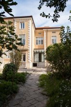 Hebros House