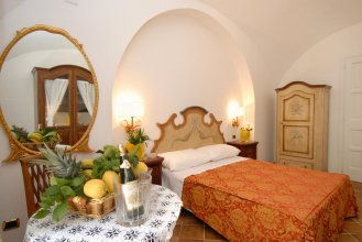 Androsa Apartments
