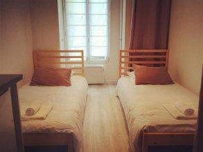 Studio Paris Apartment - Jobs