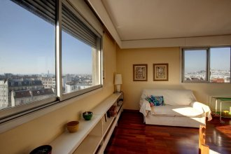 Vicq D'azir Halldis Apartment