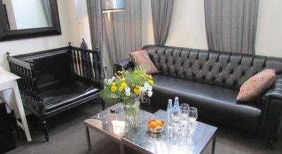 Nina Cafe Suites