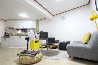 House In Hapjeongstation 2