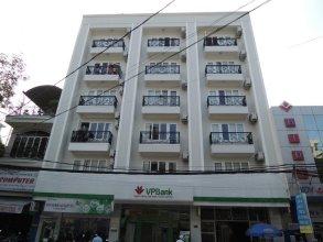 White Swan Apartment