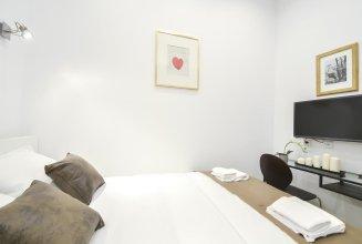 Luxury apartment in the marais