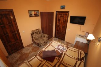 Guest House on Kirova 78