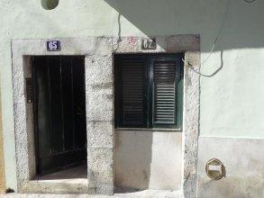 Rent4Rest Bairro Alto Charming Apartment