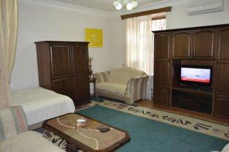 Saryan Street Studio Apartment