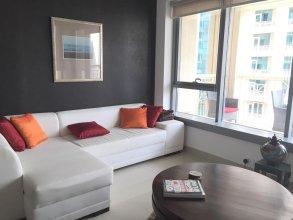 Dubai Chic & Central Downtown Apartment