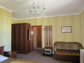 Guest House 20 Meridian