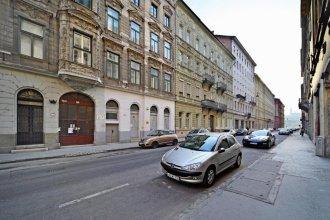 Basilica Suite Apartment
