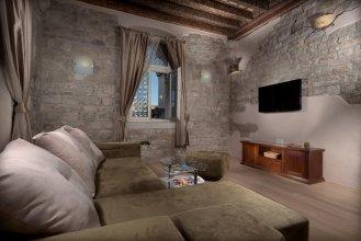 Desiderata Studio Apartment