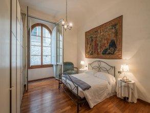 Savonarola Halldis Apartments