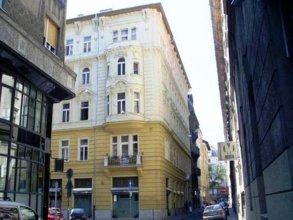 Central Design Home Budapest