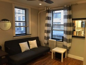 Spacious 2 Bedroom in the Heart of Manhattan
