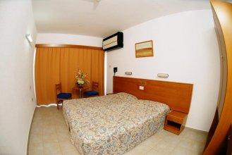 Cornelia Hotel