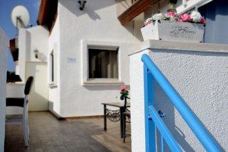 Dayos House