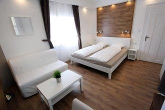 Premium Studio Szervita Square