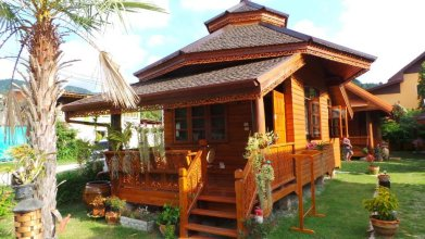 Golden Teak Resort - Baan Sapparot
