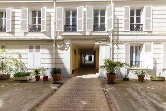 Rue de Bassano by Onefinestay