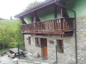 Casa De Aldea La Fuentona