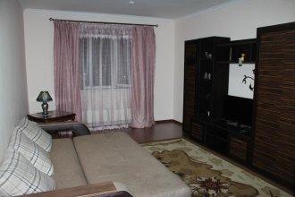 Houseroom E