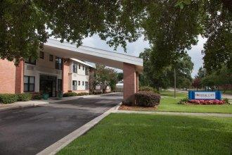 Federal City Inn & Suites