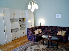 De Niro Apartment