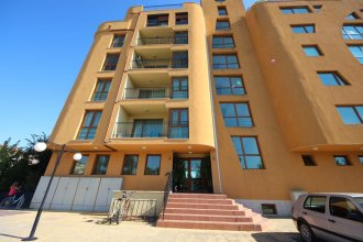 Menada Amadeusz 1 Apartments