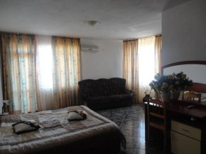 Odesos Guest House