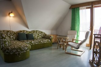 Apartament Nefryt