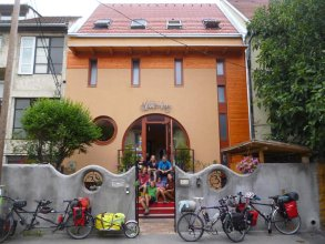Shantee House