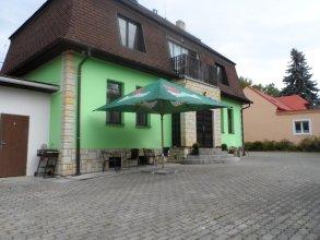 Guest House Razka 1