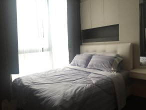 The Lumpini 24 by Thaweesak