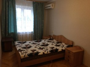 Apartments on Khersonskaia 22