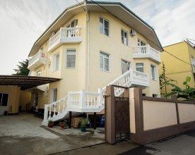 Guest House Na Tsvetochnoy