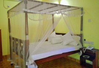 Saji-Sami Hotel