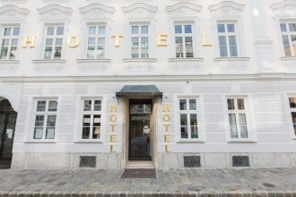 Hotel Schwalbe - Low Budget