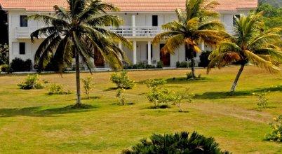 Miramar Villas, 6br by Jamaican Treasures