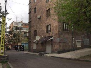 Guest House on Hrachya Qochar 7