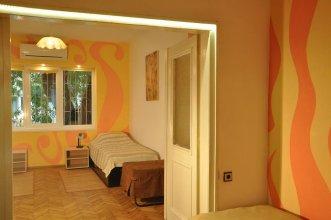 Arlequin Apartment