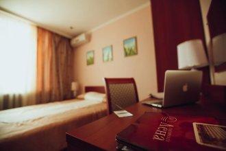 Отель Лена